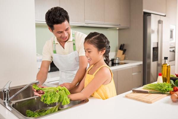 Food Literacy - teaching dauther